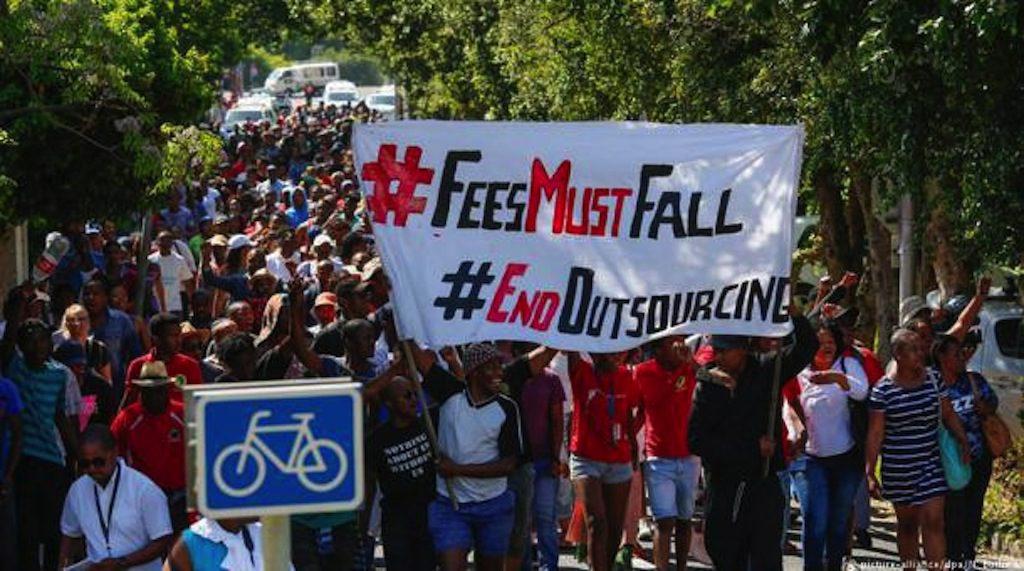 FeesMustFall-protestyi-2 Kopie