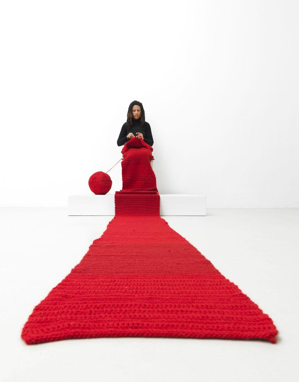 nbk_Lerato_Shadi_Performance.jpg Lerato Shadi, Mosaka wa nako, 2014, Performance im Neuen Berliner Kunstverein, 2014 © Neuer Berliner Kunstverein / Jens Ziehe