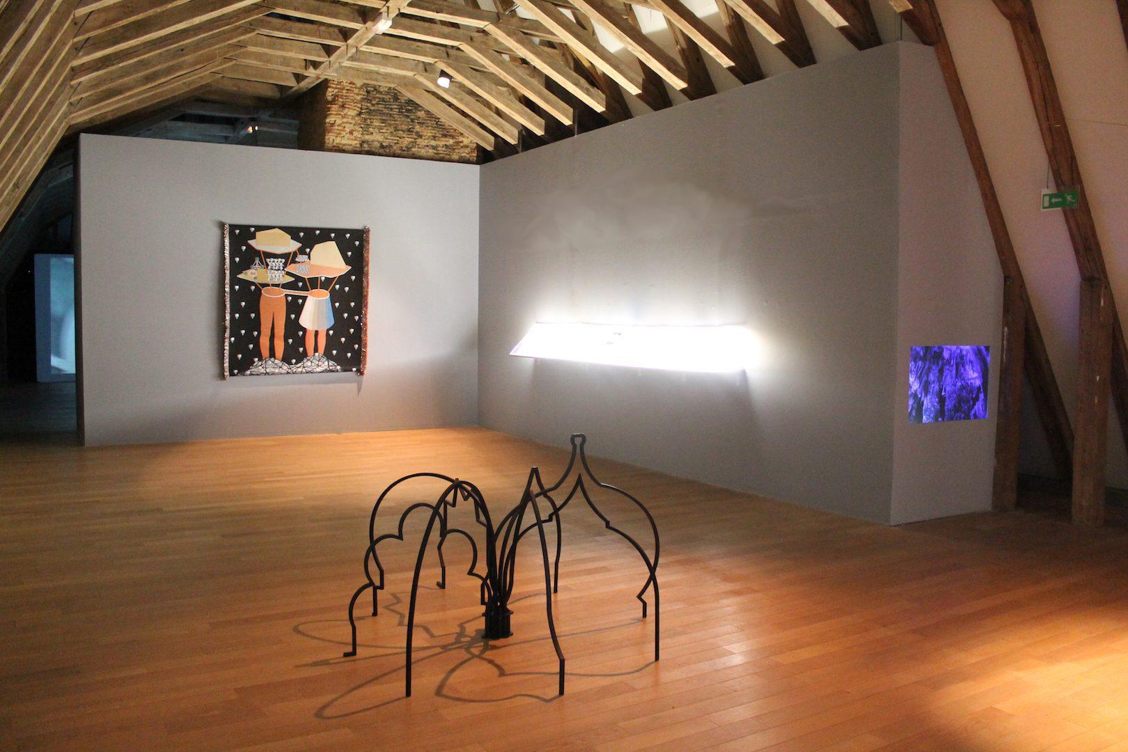 Installation View Zoulikha Bouabdellah, Kapwani Kiwanga and Otobong Nkanga. L'iris de Lucy, 2016. Courtesy of Musée départemental d'art contemporain de Rochechouart